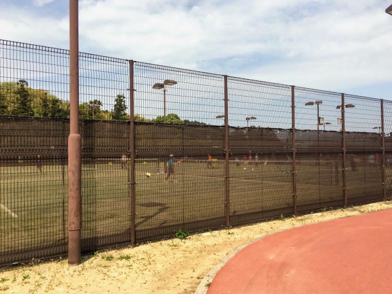 カブトの森公園のテニスコート