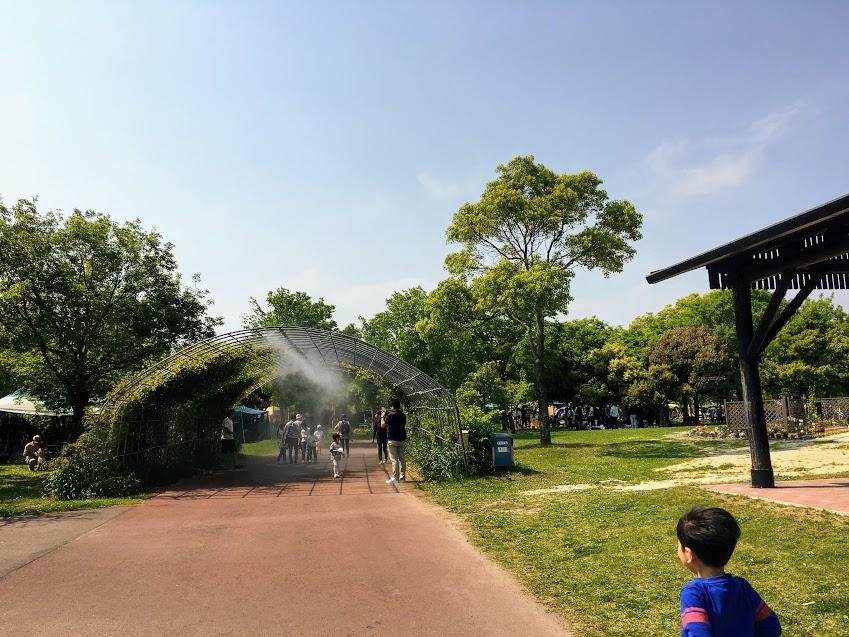 吉野ヶ里歴史公園西口の遊歩道