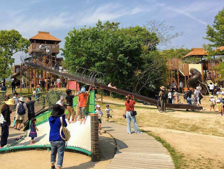 吉野ヶ里歴史公園のローラーすべり台