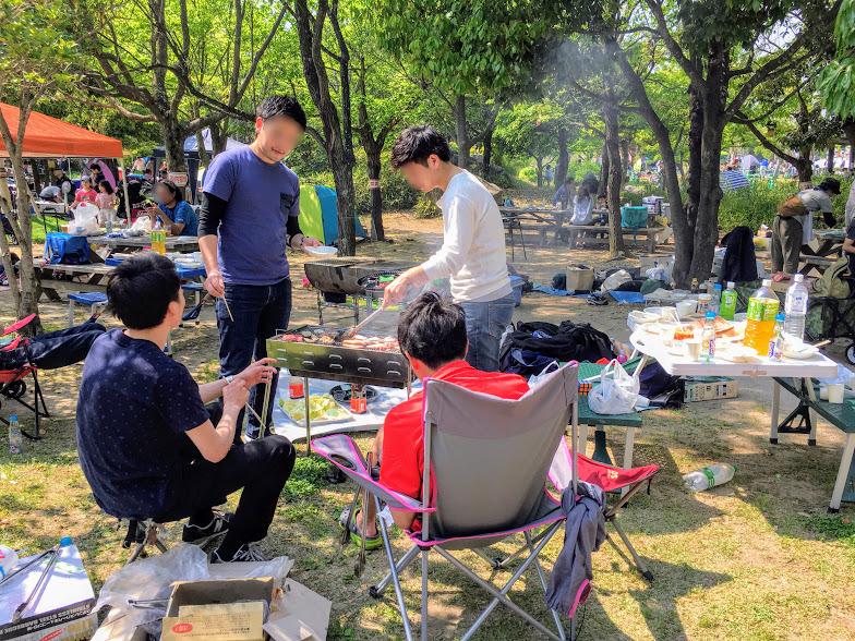 吉野ヶ里歴史公園でのバーベキューの様子