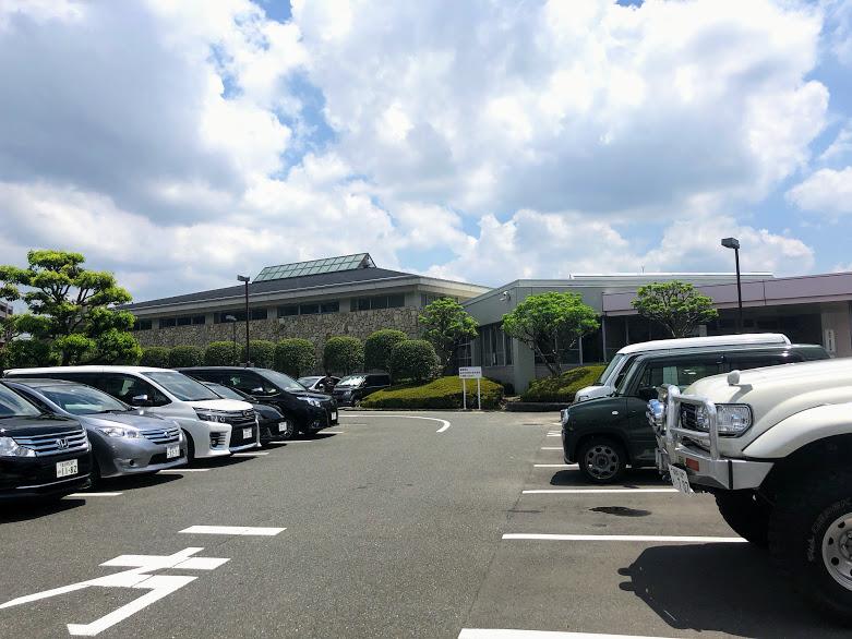 大宰府市民プールの駐車場