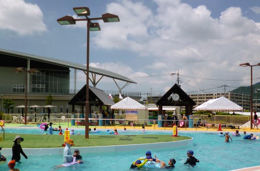 大宰府市民プールのテント写真