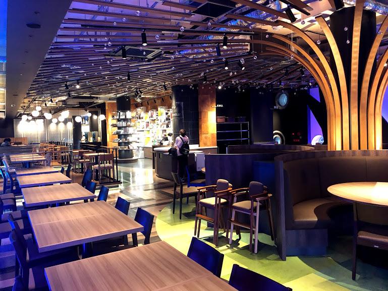 福岡市動物園の新レストラン内部