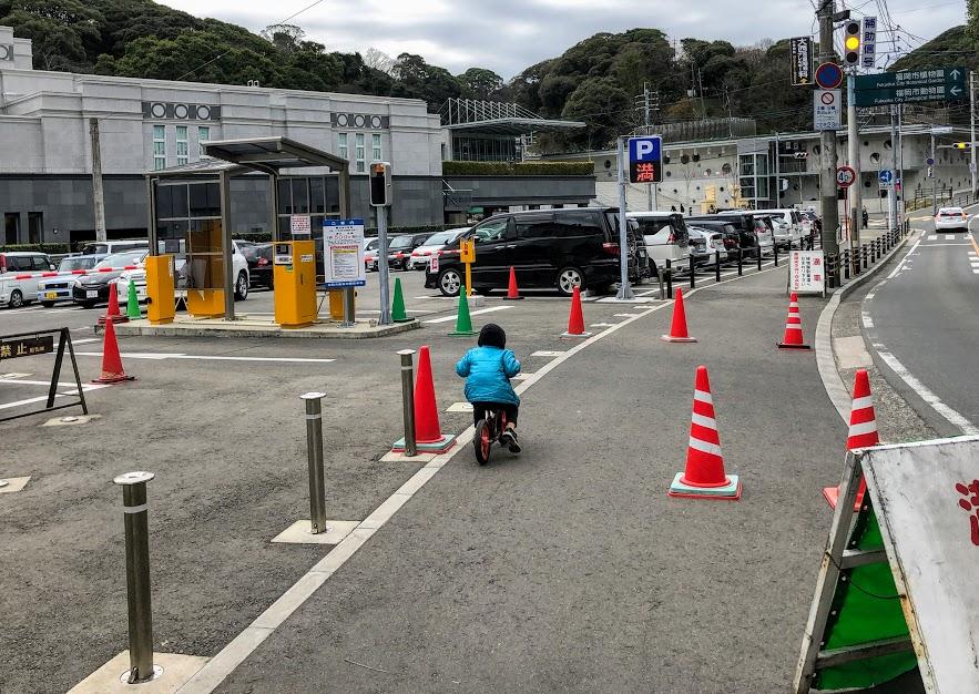 福岡市動物園の正門前動物園駐車場