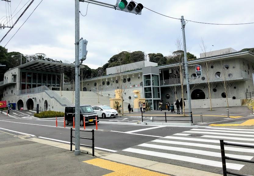 福岡市動物園エントランスの外観図