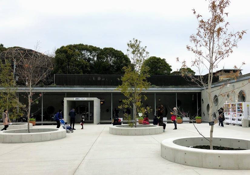 福岡市動物園の新レストラン外観